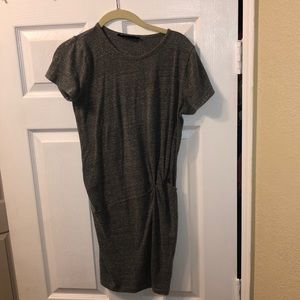In great condition grey Audrey 3+1 dress!